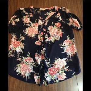 Joie Ruffle Button Down Short Sleeved Blouse in L.